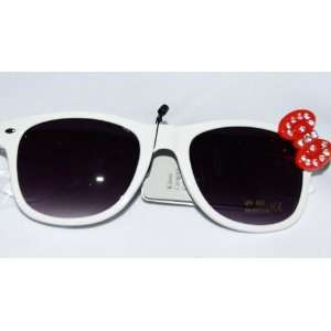 Cute Ladies Retro Wayfarer Hello Kitty Sunglasses White