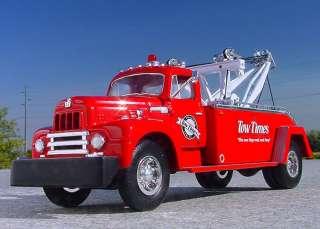 VR / 1957 IH R190 TOW TIMES Holmes Wrecker   First Gear