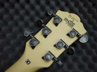 Washburn WI64 V Electric Guitar   Vintage Blonde