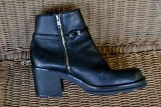 BARE TRAPS Womens BLACK LEATHER ANKLE BOOTS SIZE 8M ~EUC