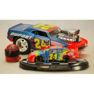 Jeff Gordon #24   3 Collectibles   2003 1969 Camaro Z28 Muscle Machine