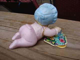 1984 CABBAGE PATCH KIDS FIGURINE BABY CRAWLING with BLOCK