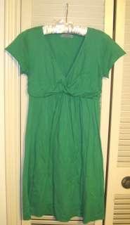 VELVET by Graham & Spencer Green V Neck Dress sz P Petite