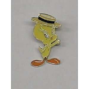 EP2 LOONEY TUNES TWEETY W/HAT ENAMEL PIN