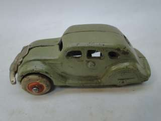 ANTIQUE CAST IRON TOY CAR 1930s SEDAN ARCADE 146 OLD NICKEL PLATED