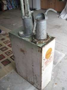 SHELL SERVICE STATION OIL PUMP & RESERVOIR w/ OLD OIL CAN X 100