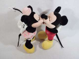 set of 2 kissing Mickey & Minnie Mouse 8 plush dolls toys