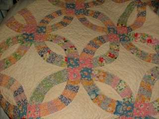 VINTAGE Classic Hand Stitched DoUBLE WeDDiNG RiNG QUILT Old Feedsacks