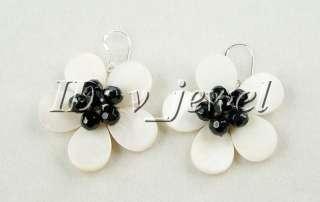 Pearl&shell&onyx flower necklace/earring set