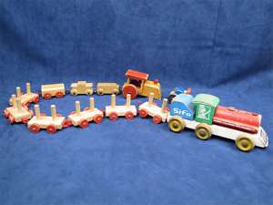 12 Vintage Wooden Toy Train Cars Parts Locomotive Sifo