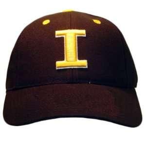 NCAA FITTED CAP HAT SIZE 7 1/4 IOWA HAWKEYES BLACK WOOL