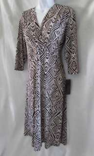 ASHLI COUTURE Brown Ivory Off White V Neck Geometric Print 3/4 Sleeve