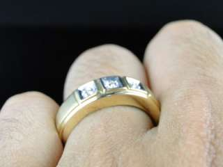 YELLOW GOLD 3 STONE ROUND CUT DIAMOND WEDDING BAND FASHION RING