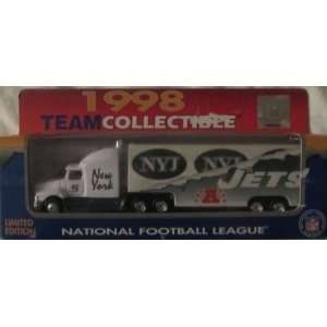 New York Jets NFL Diecast 1998 Matchbox Tractor Trailer